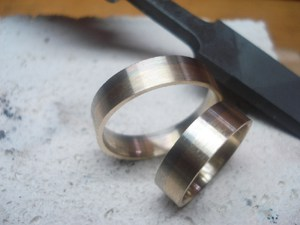 Mitev zlatar slagane na kamuni diamanti 2