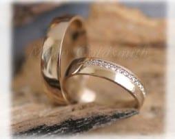 IM272  Сватбени Халки с Диаманти в Жълто Злато, Полирани